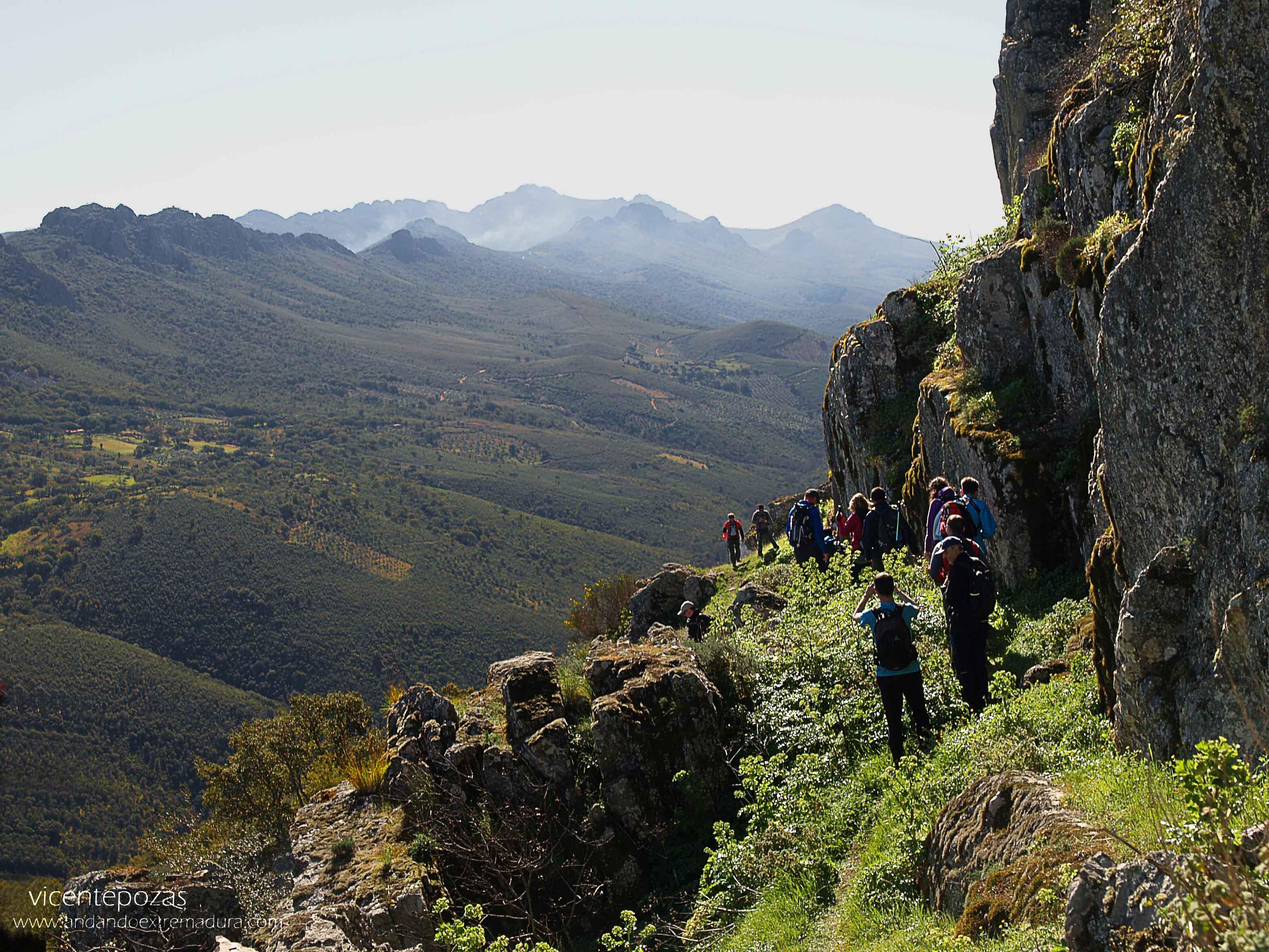 Cabañas del Castillo a Navezuelas