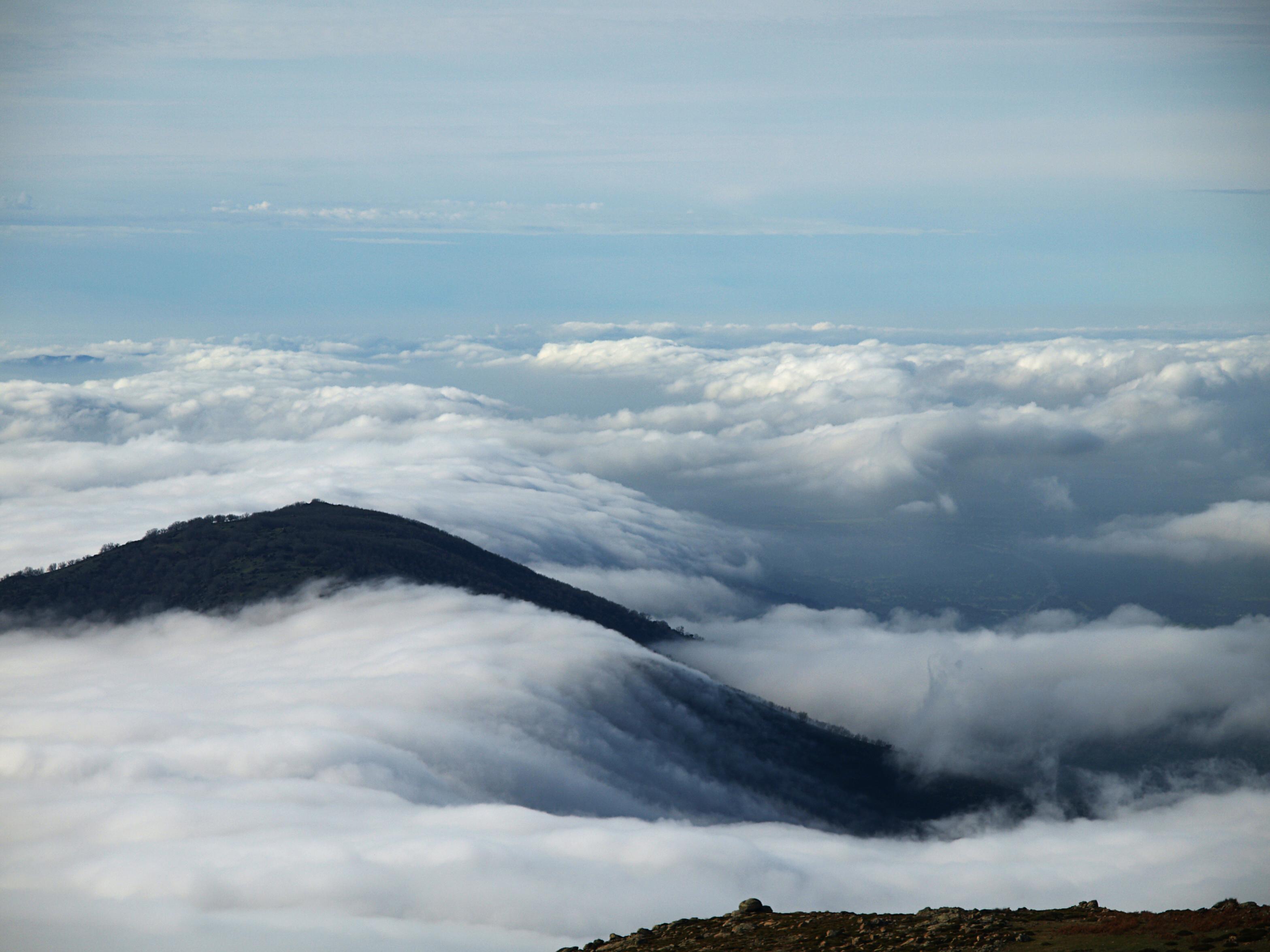 Caminar por un mar de nubes